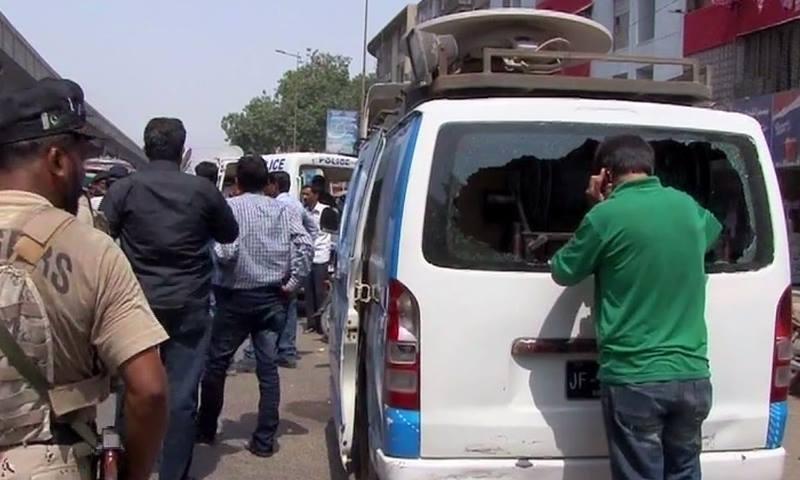 جس وقت فائرنگ ہوئی گاڑی میں کوئی موجود نہیں تھا ۔۔۔ فوٹو: اسکرین گریب