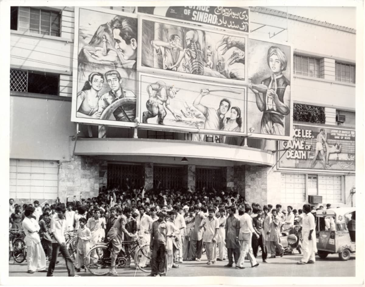 People throng to see 'The 7th Voyage of Sinbad' which was released in 1958. — Photo courtesy: The Citizens Archives of Pakistan