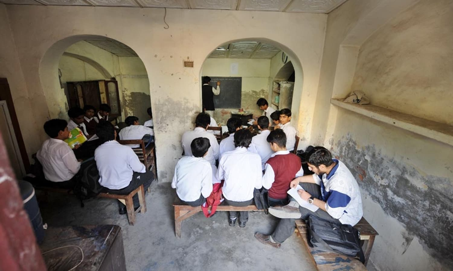 The teachers of nearby government high schools, who had taken possession of this historic property from the Milli Techniki Idara, used it as tuition centres (image taken in March 2008).