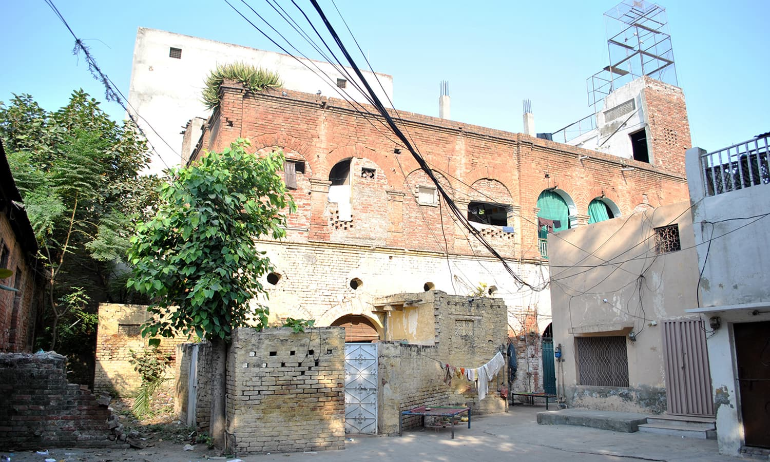 Under the Milli Techniki Idara (National Technical Institute), land grabbing and illegal encroachments were rampant.
