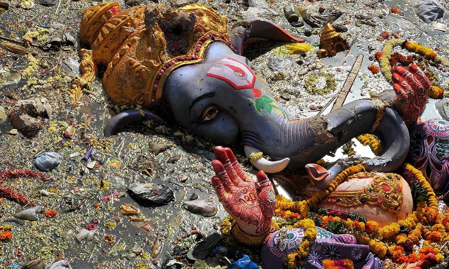 pollution during ganesh utsav Keep ganesh fest hushed in silent zones: mumbai ngo writes to pm - anti-noise pollution activists have raised a strong objection against chief minister devendra fadnavis's plans to relax noise pollution norms for the ganesh utsav festival in.