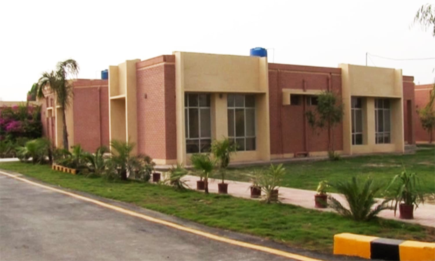 The new headquarter hospital in Mir Ali. — Photo by author