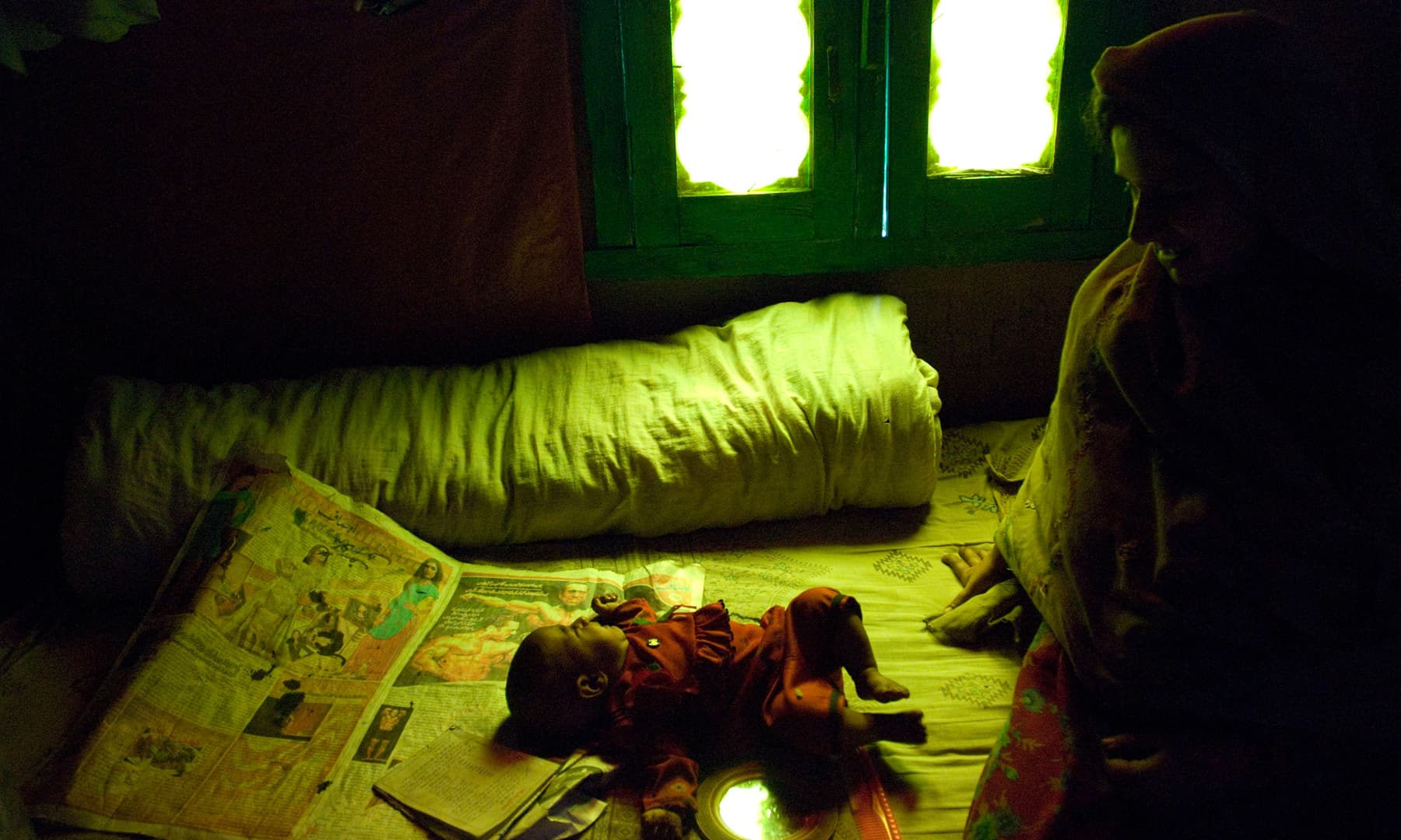 A mother and child in Keran | Ayesha Villani, White Star