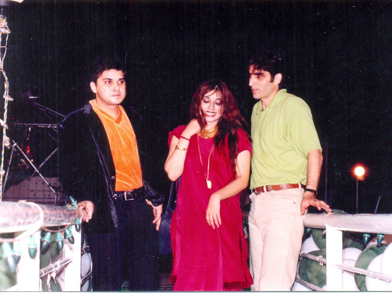 Junaid Jamshed chills with Komal Rizvi and Ali Haider at a NTM concert for Pakistan's 50 anniversary
