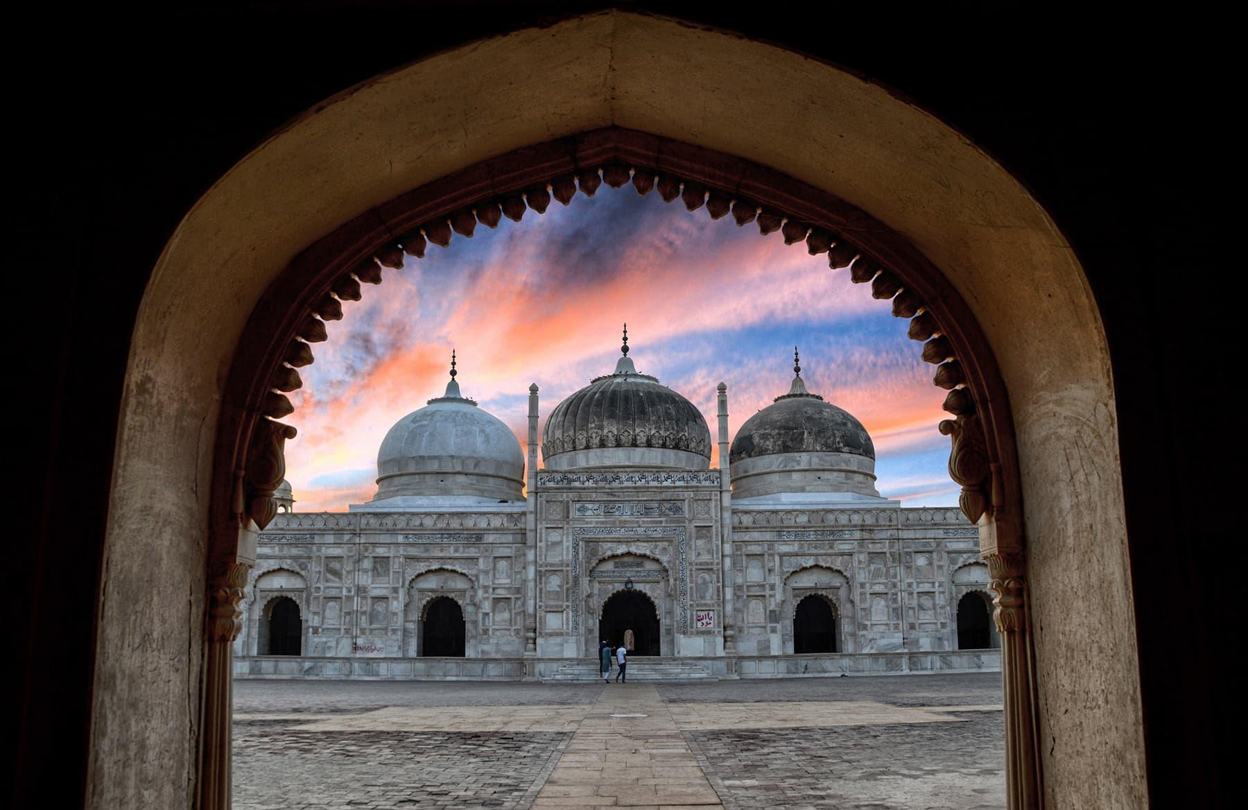 عباسی مسجد بہاولپور۔ — فوٹو اسامہ شاہد