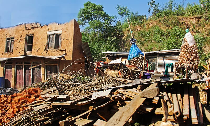 A house destroyed by the earthquake. ─ Photo by author