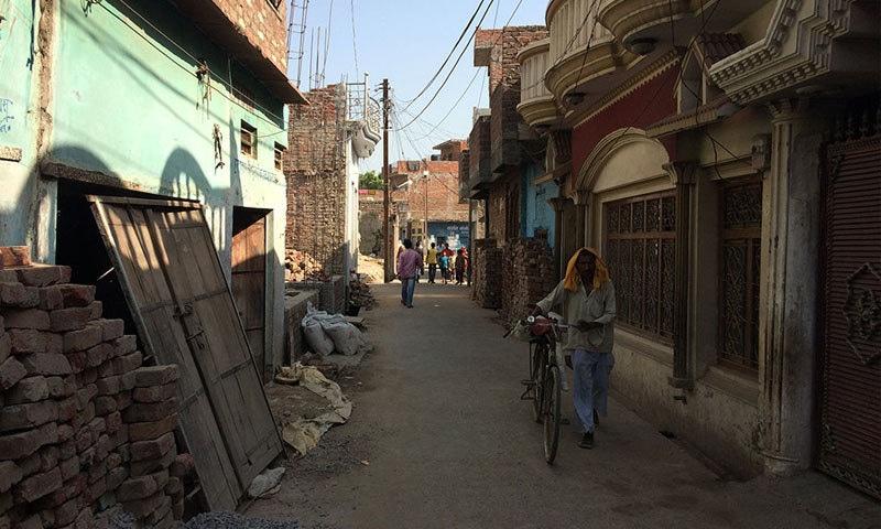 The lane leading to the Muslim neighbourhood