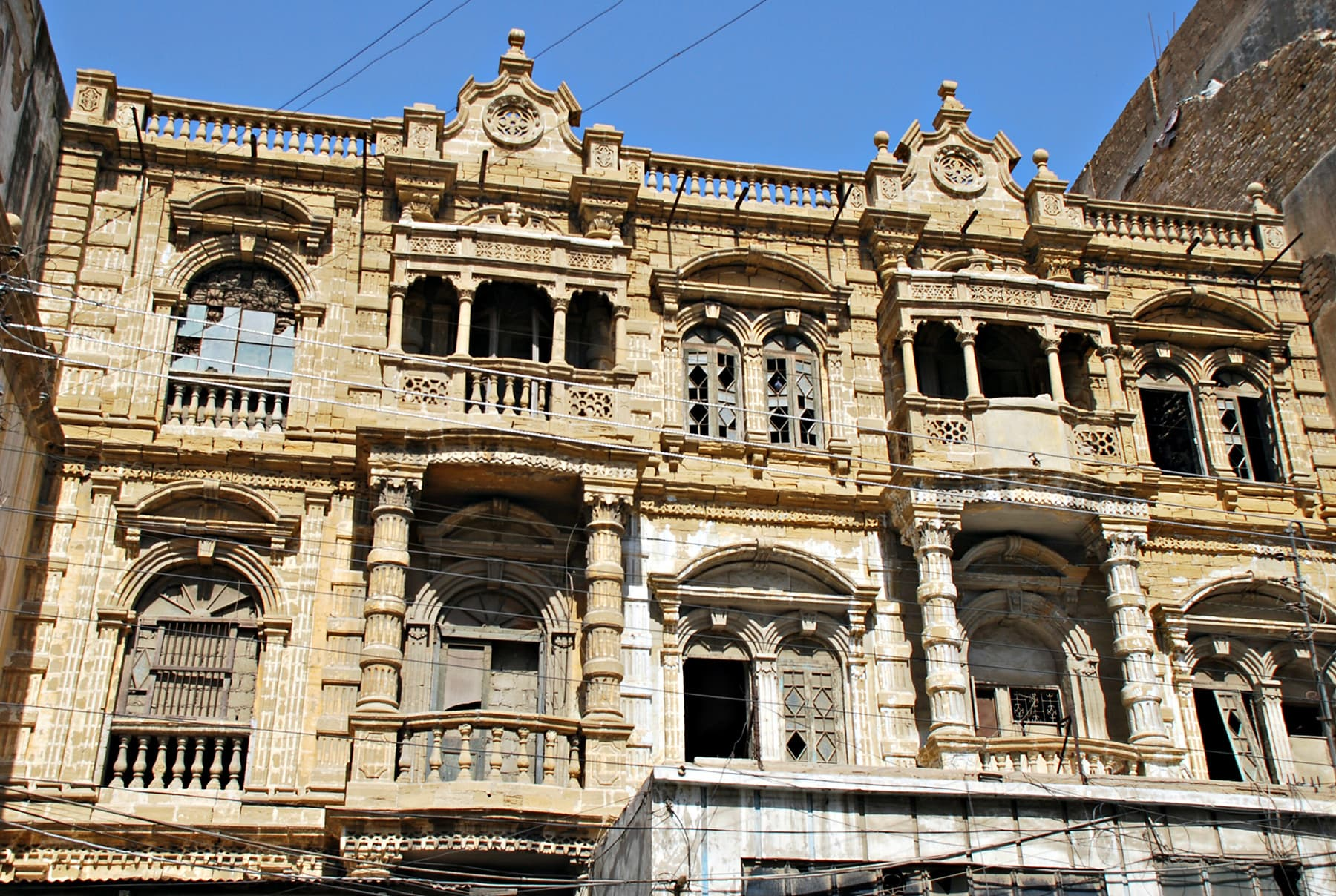 The buildings around Aram Bagh are a visual treat.