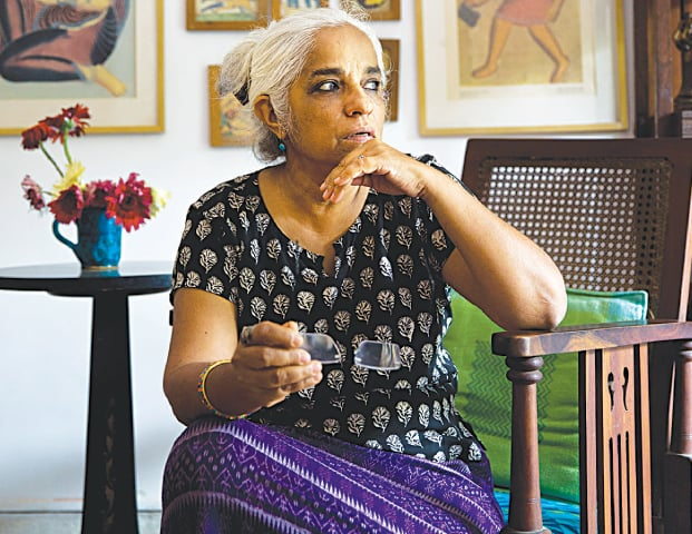 NEW DELHI: Indian playwright and theatre artiste Maya Krishna Rao rests at her residence in Indian captial on Wednesday. As on Wednesday, 41 novelists, essayists, playwrights and poets writing in English as well as regional languages, have returned the awards they received from India's prestigious literary academy.—AP