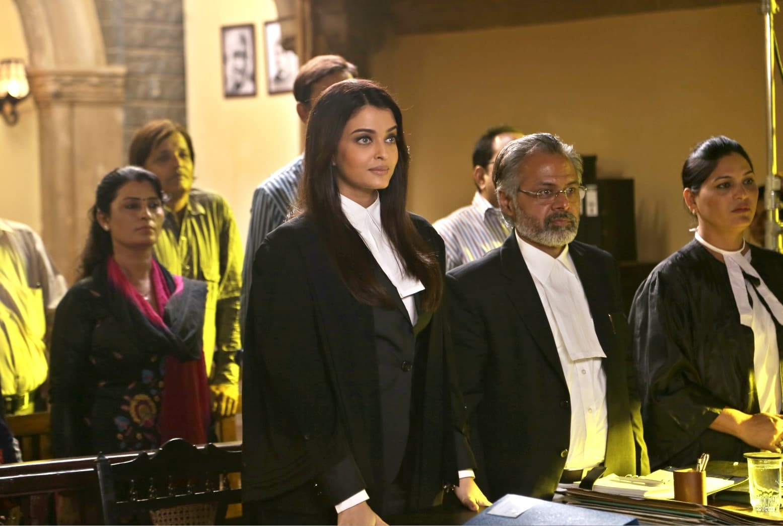 Aishwariya plays a lawyer who is coerced into defending a rapist in Sanjay Gupta's thriller Jazbaa - Photo courtesy masala.com