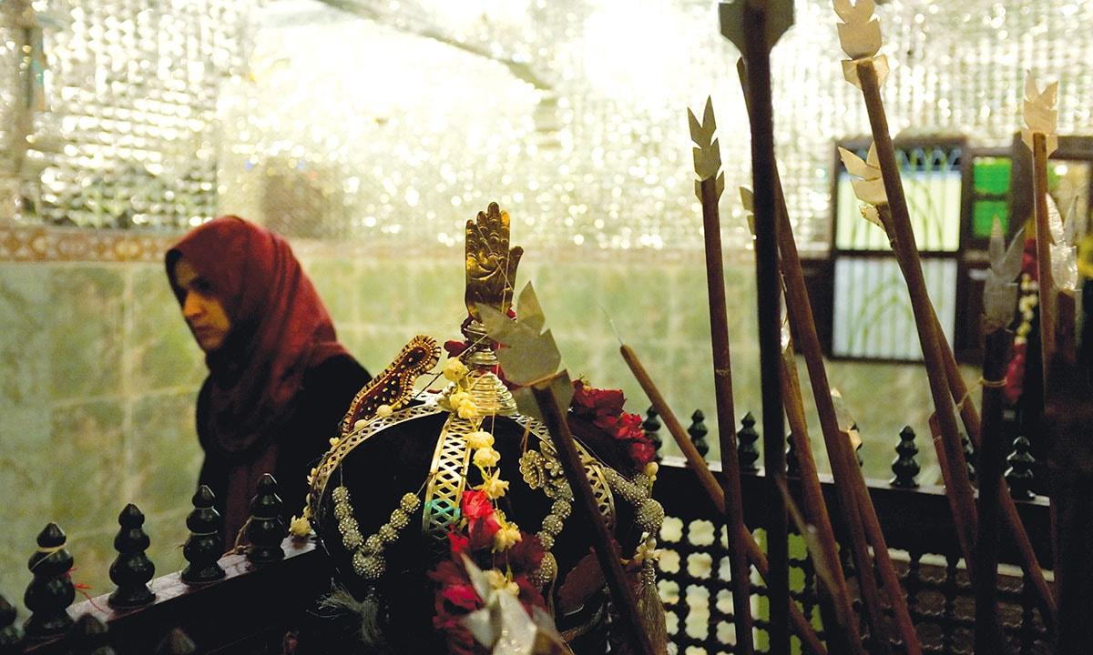 Inside Imambargah Azakhana-e-Zehra in Saddar, Karachi   Arif Mahmood, White Star