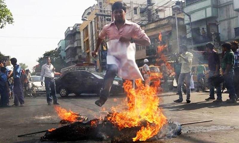 ریاستی سطح پر انتہاپسندوں کی حمایت کر کے بی جے پی ہندوستان کو ایک ایسی آگ میں جھونک رہی ہے جسے بجھانا ناممکن ہوگا۔ — رائٹرز