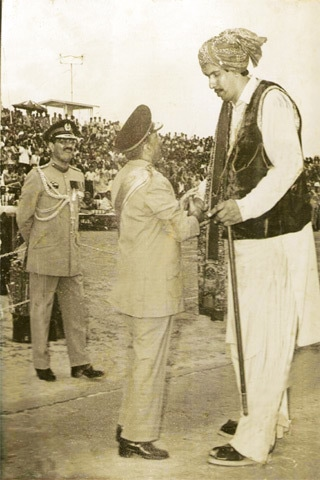 Alam Channa (R) with Gen Zia