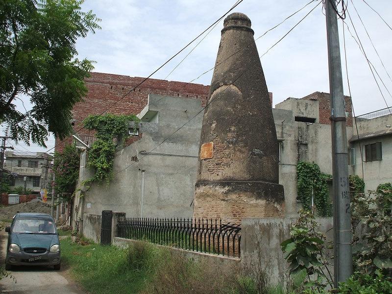 The Kos Minar of Lahore.