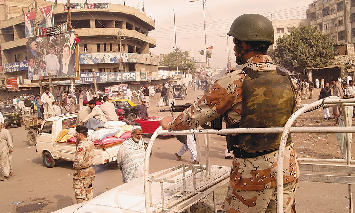 Rangers patrol Lyari| Mujeebur Rehman, White Star
