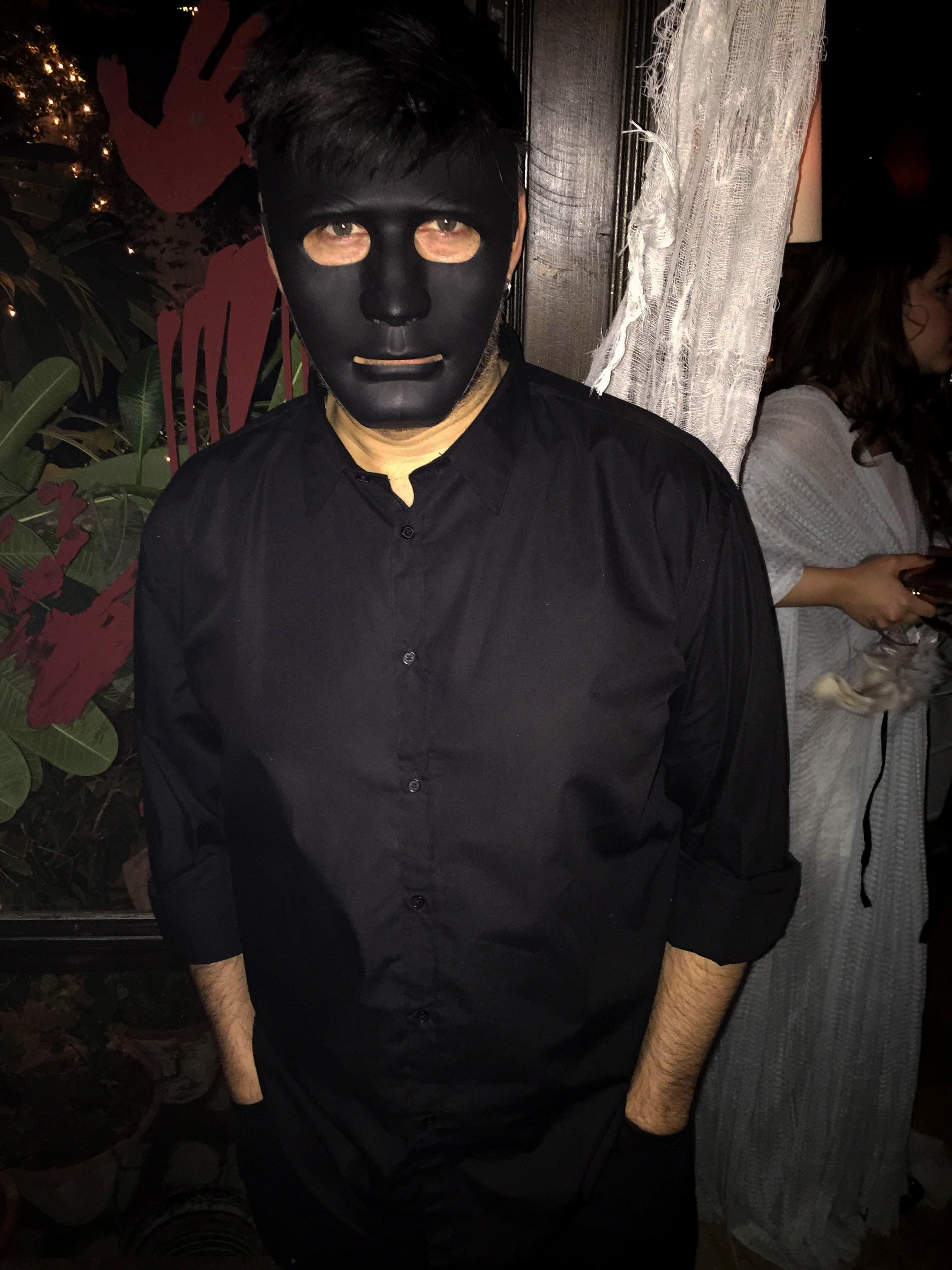 Tapu Javeri paints it black