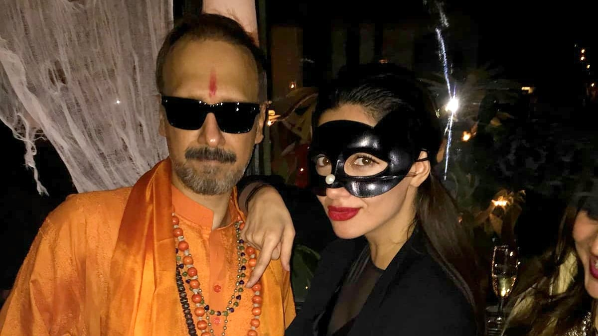 Halloween picture was not a political statement: Mahira Khan