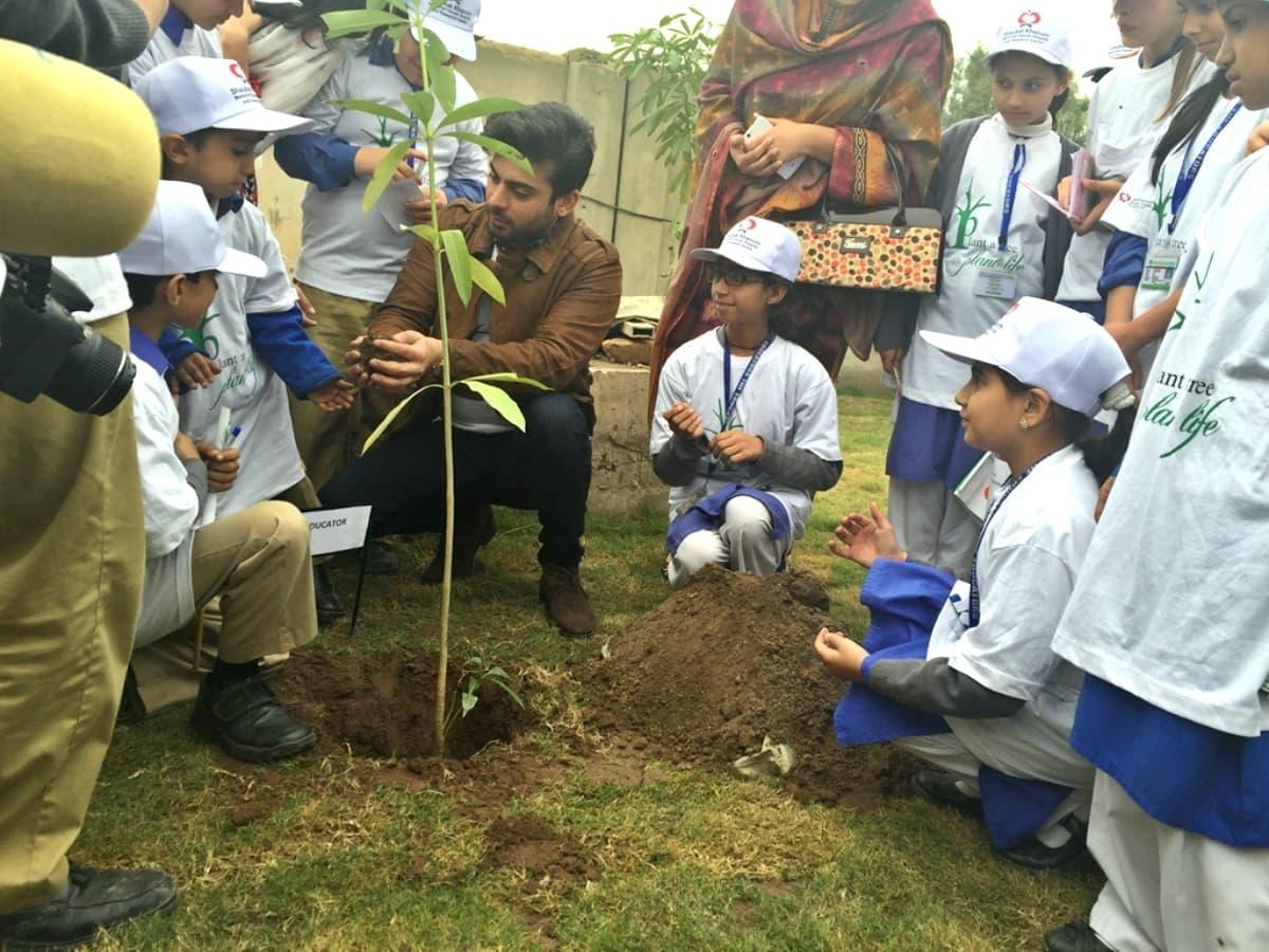 Fawad plants a sapling to inaugurate the tree plantation ceremony – Photo courtesy Fawad Khan