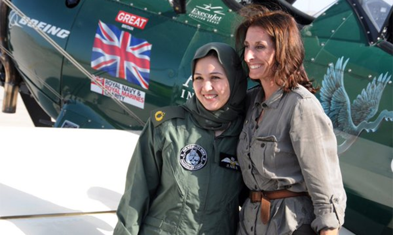 Renowned aviator Tracey Taylor lands in Pakistan