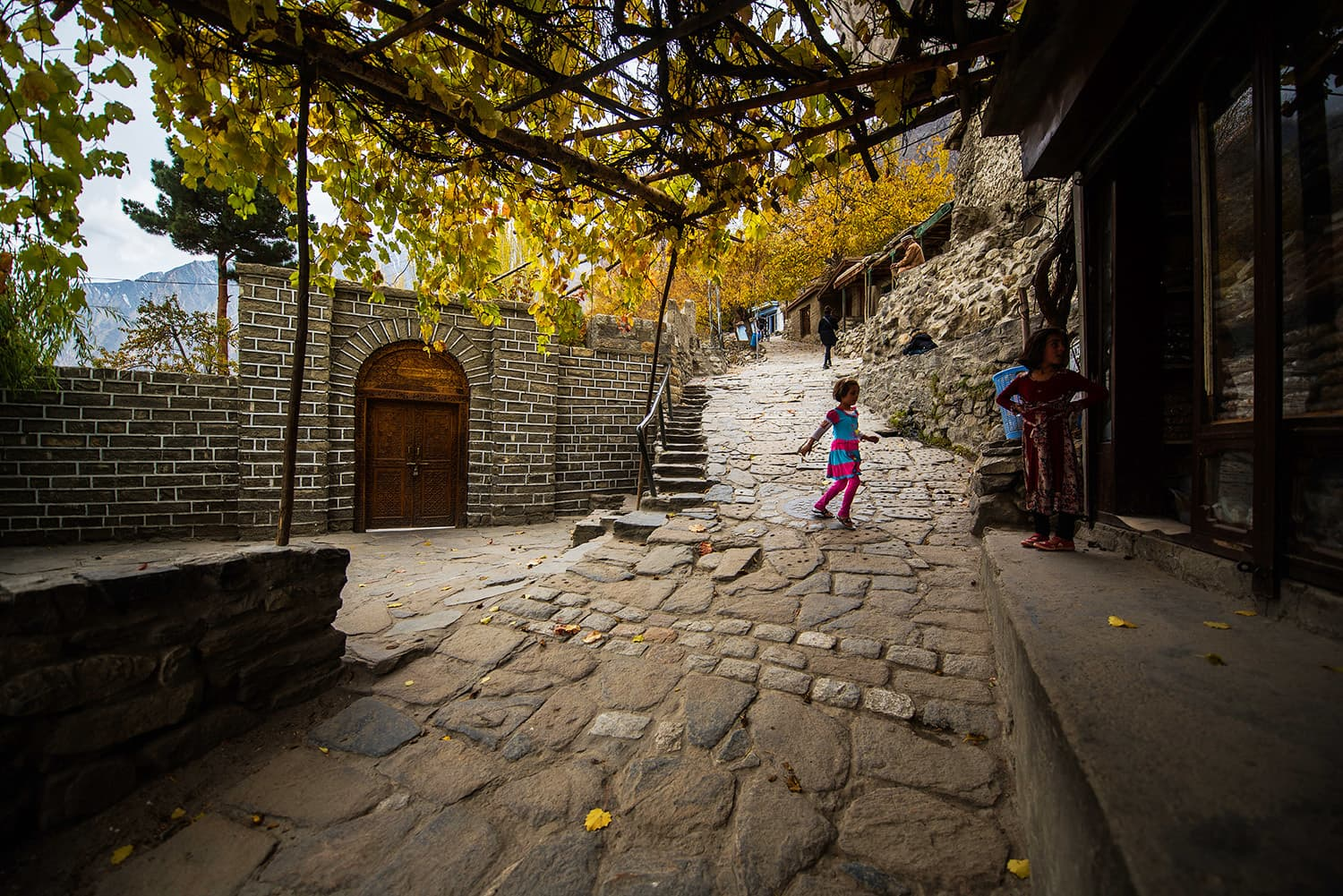 Route up to Baltit Fort.