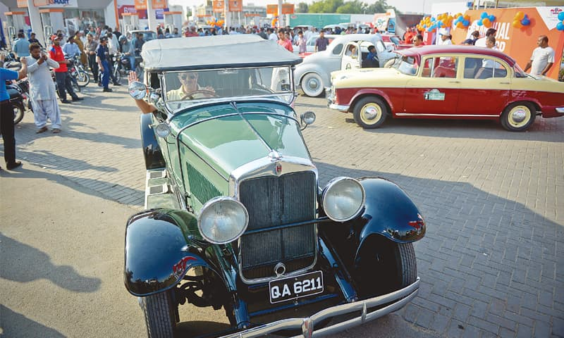 Vintage, classic car rally begins