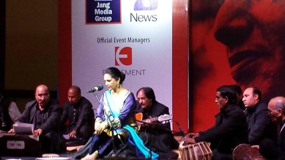 Tahira Syed takes center stage at Faiz International Festival —Photo courtesy: Jamil Rashid