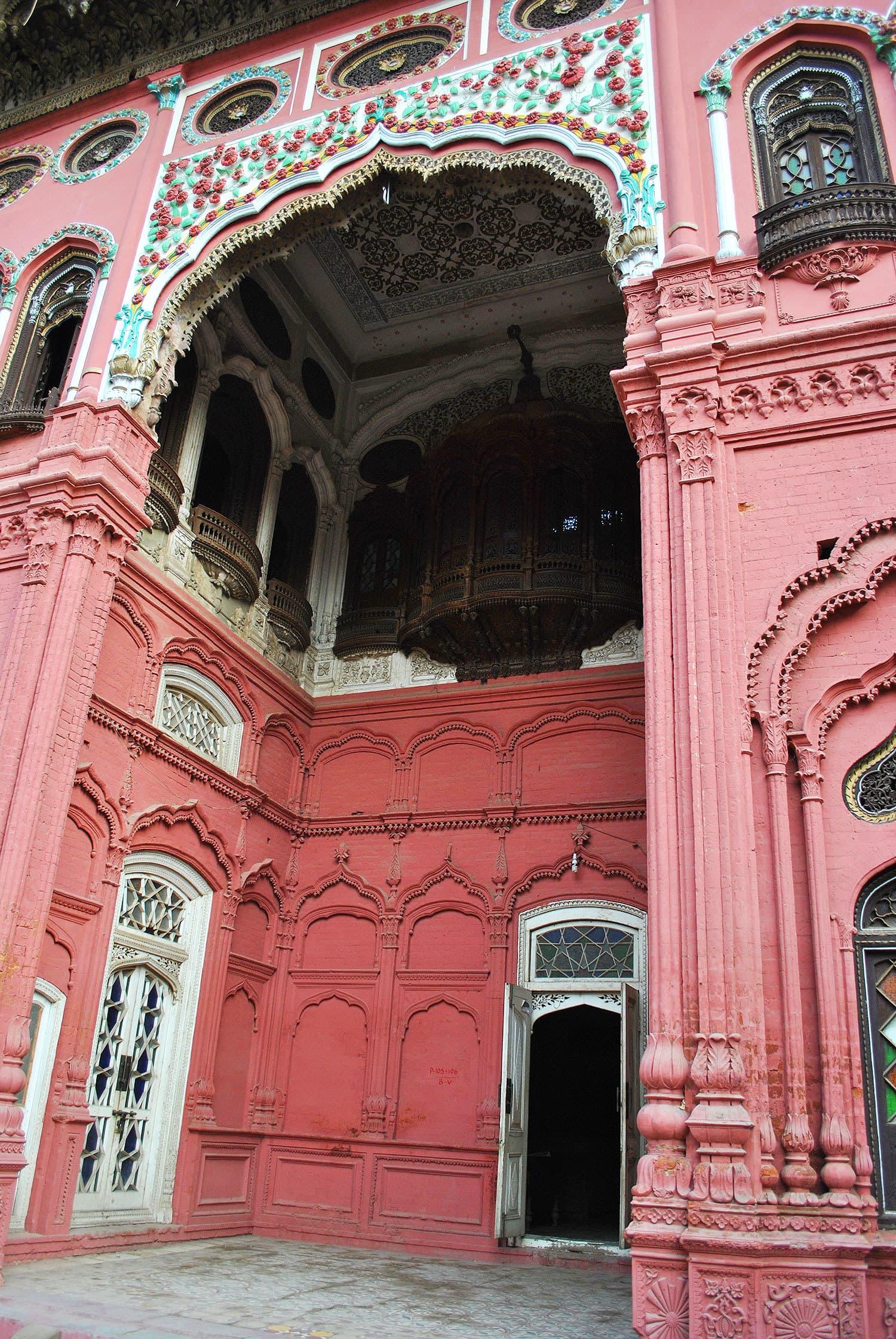 Woodwork was done by Rahim Baksh Pirjah and Elahi Baksh Pirjah.