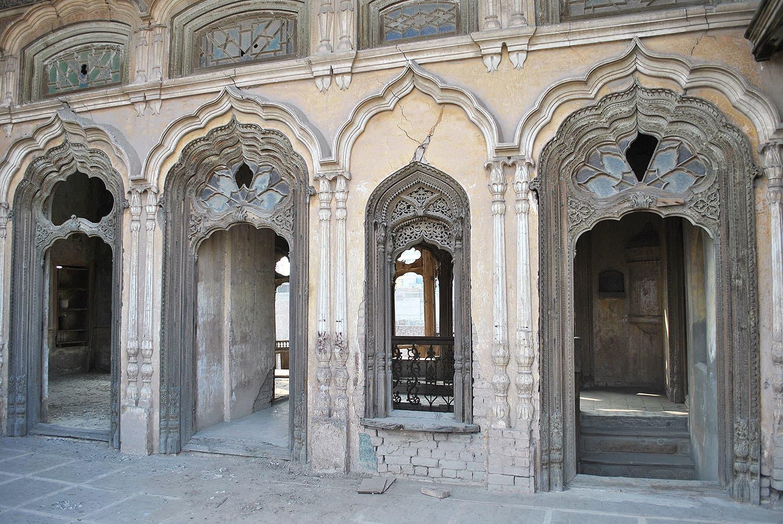Umar Hayat Mahal lies in ruins.