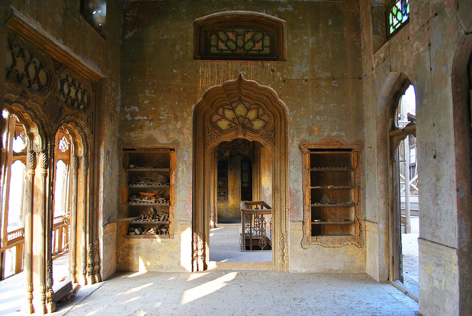 After the tragic end of Umar Hayat family, the palace was ravaged by marauders, looters and smugglers of antique furniture.