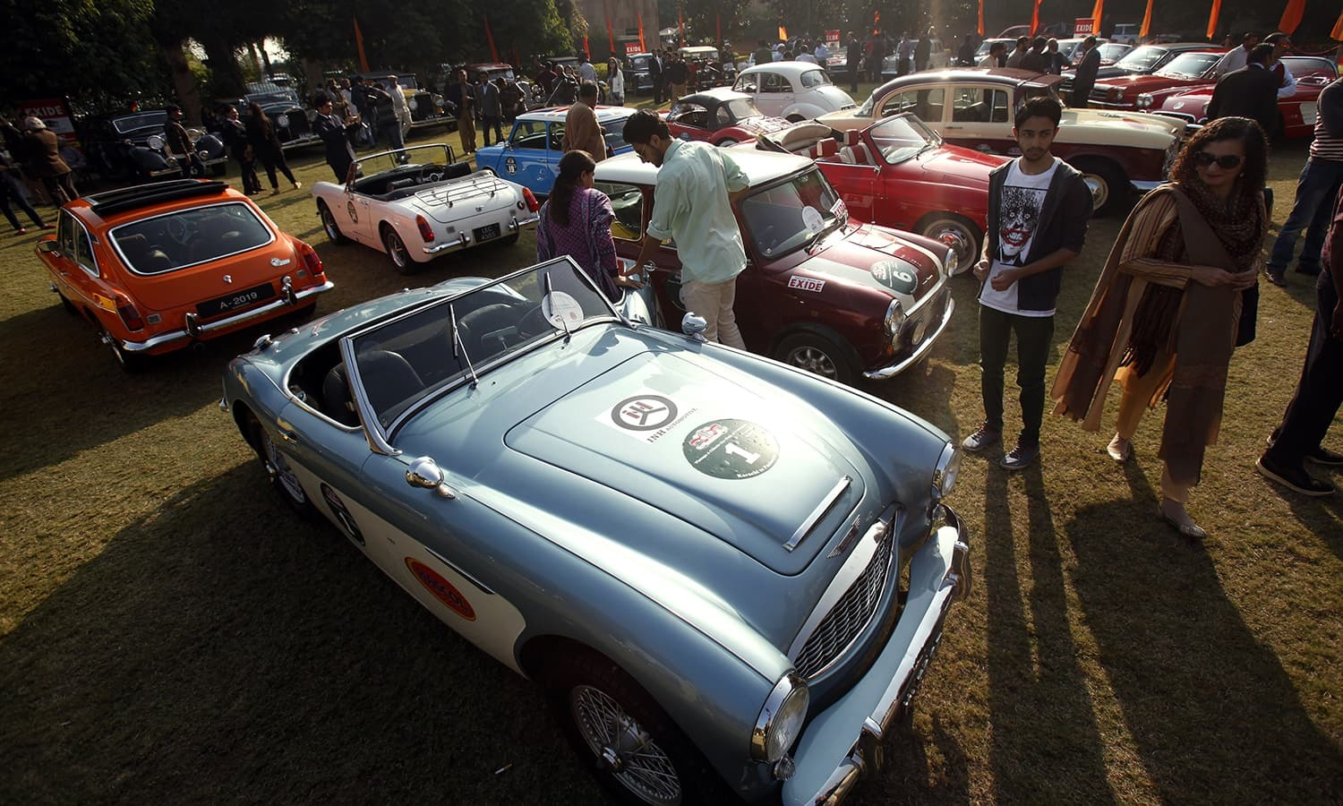 Vintage Car Show In Islamabad Pakistan DAWNCOM - Old car shows