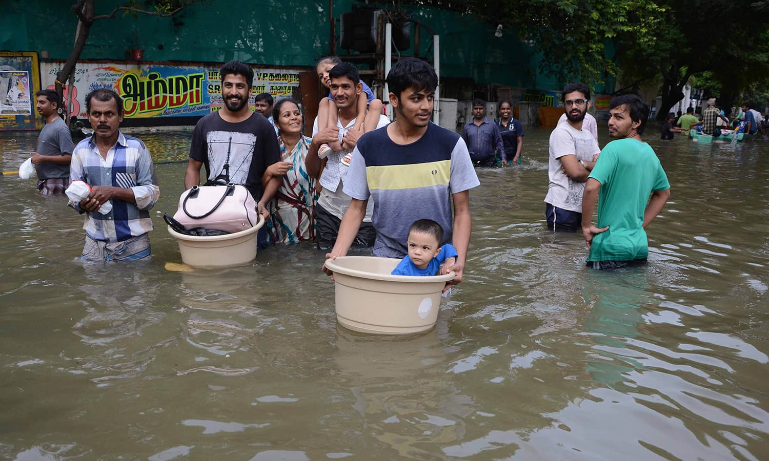 essays on floods in india India, being a peninsular country and surrounded by the arabian sea, indian ocean and the bay of bengal, is quite prone to flood as per the geological survey of india (gsi), the major flood prone areas of india cover almost 125% area of the country.