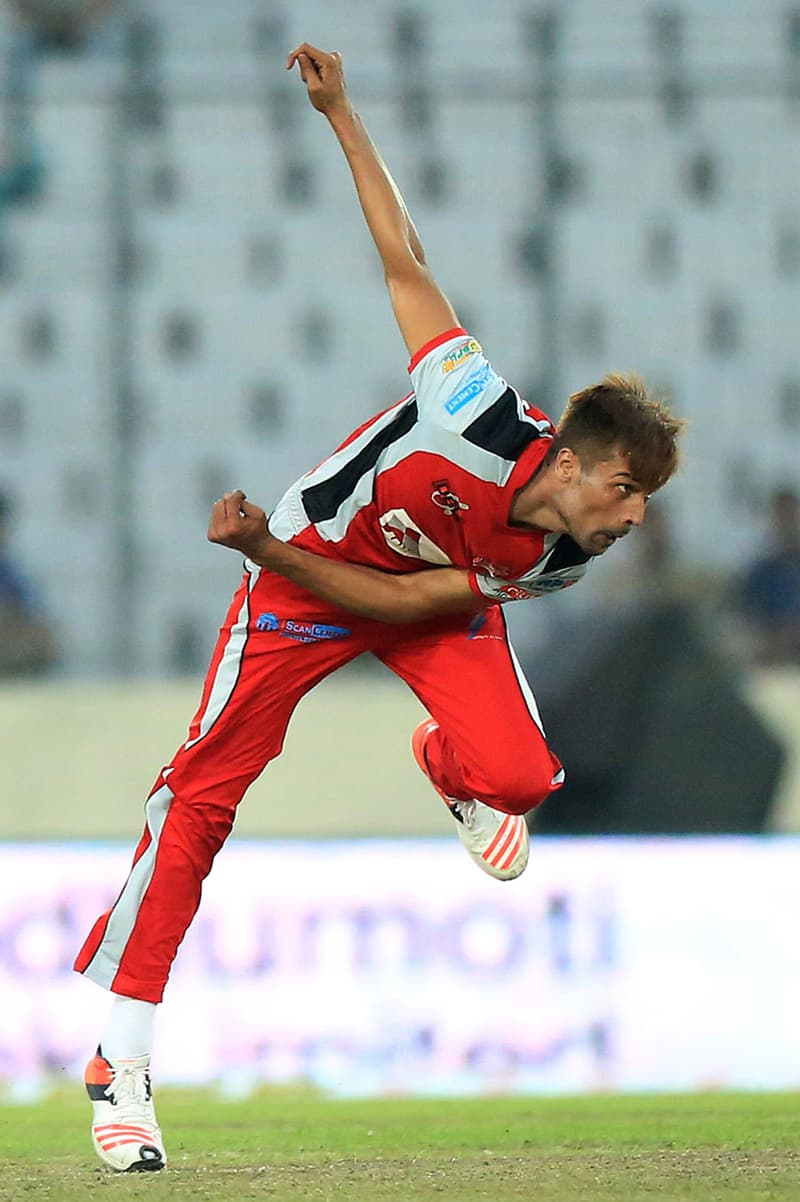 Amir Delivers A Ball During A Bpl Match In Dhaka On November 22 2015