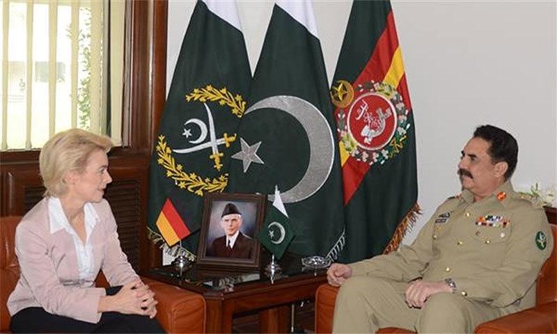 German Defence Minister, Ursula Von der Leyen meeting General Raheel Sharif
