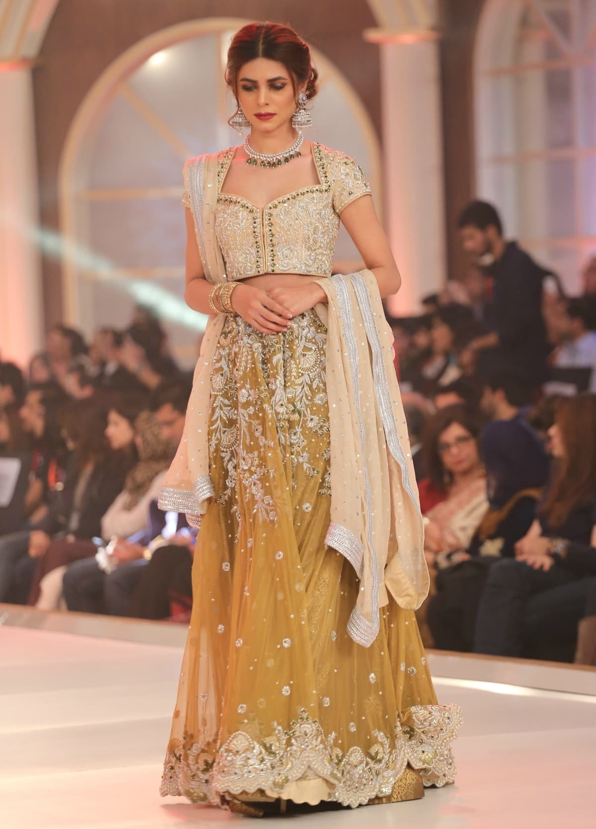 Mehndi Zaheer : The bride s guide to winter weddings as told through