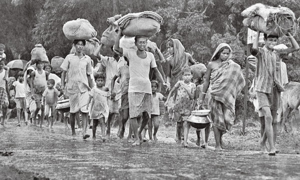 'Bangladesh's popular and historical narrative refuses to take a long view of Bengali identity and contributions made by the Pakistani government': Refugees seeking shelter in 1971 | Courtesy the official mujibnagar website