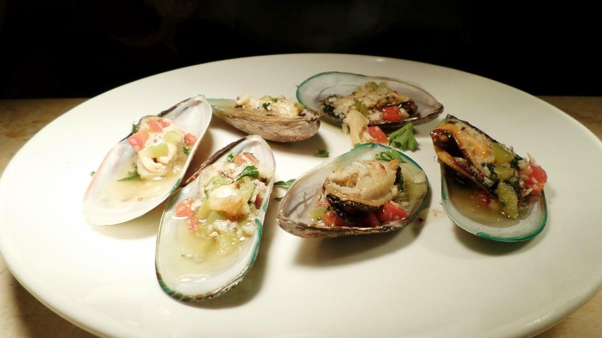 New Zealand mussels in Red Wine vinegar