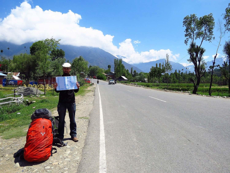 Hitchhiking to Leh.