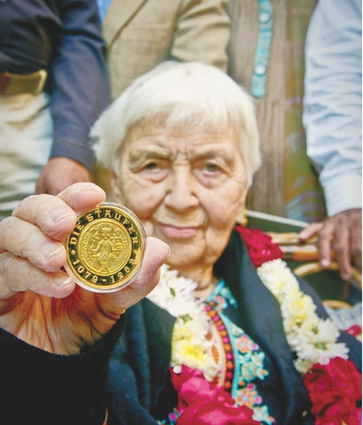 Dr Ruth Pfau with her medal.­­—White Star