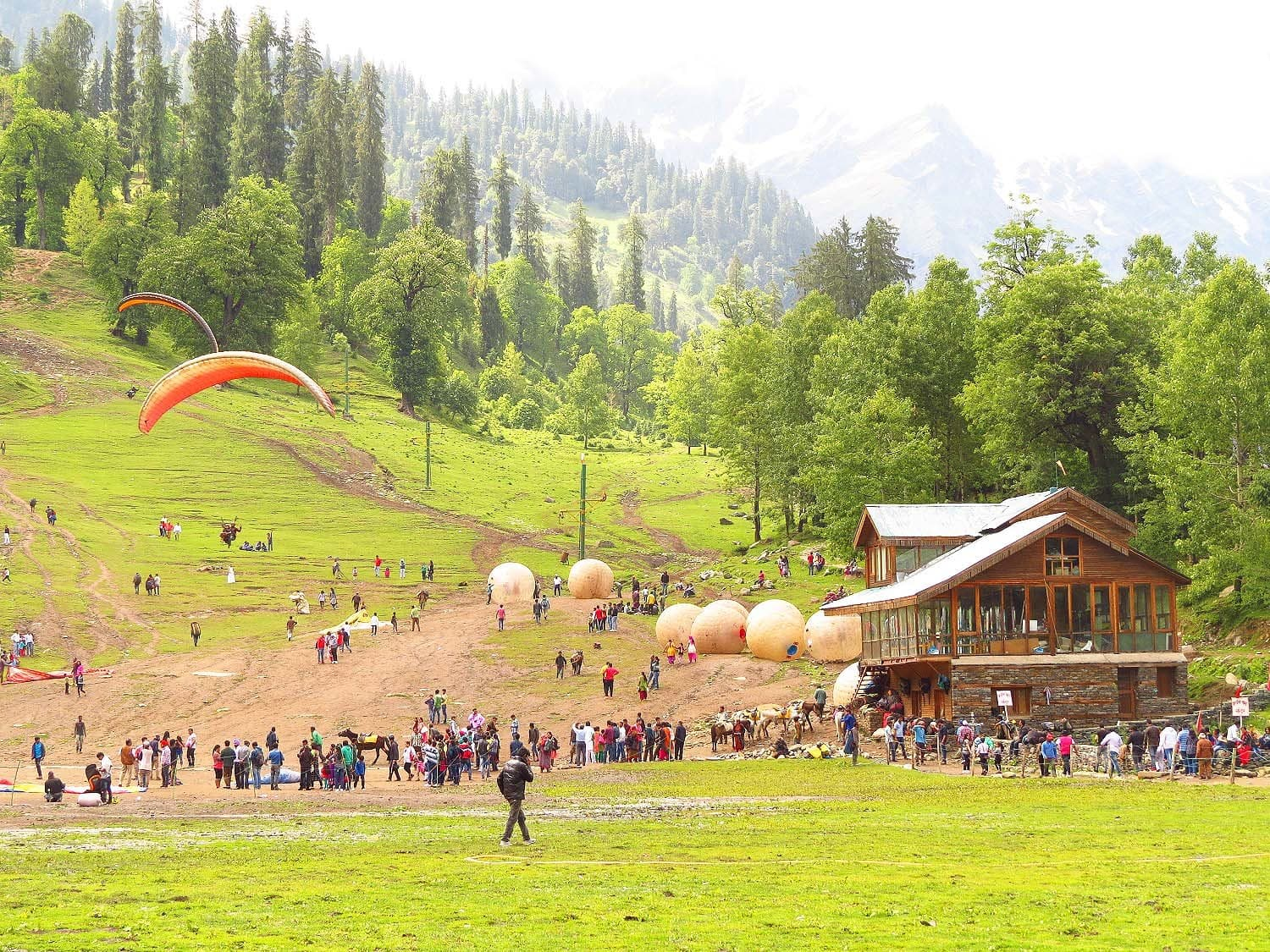 Activities in Solang near Manali.