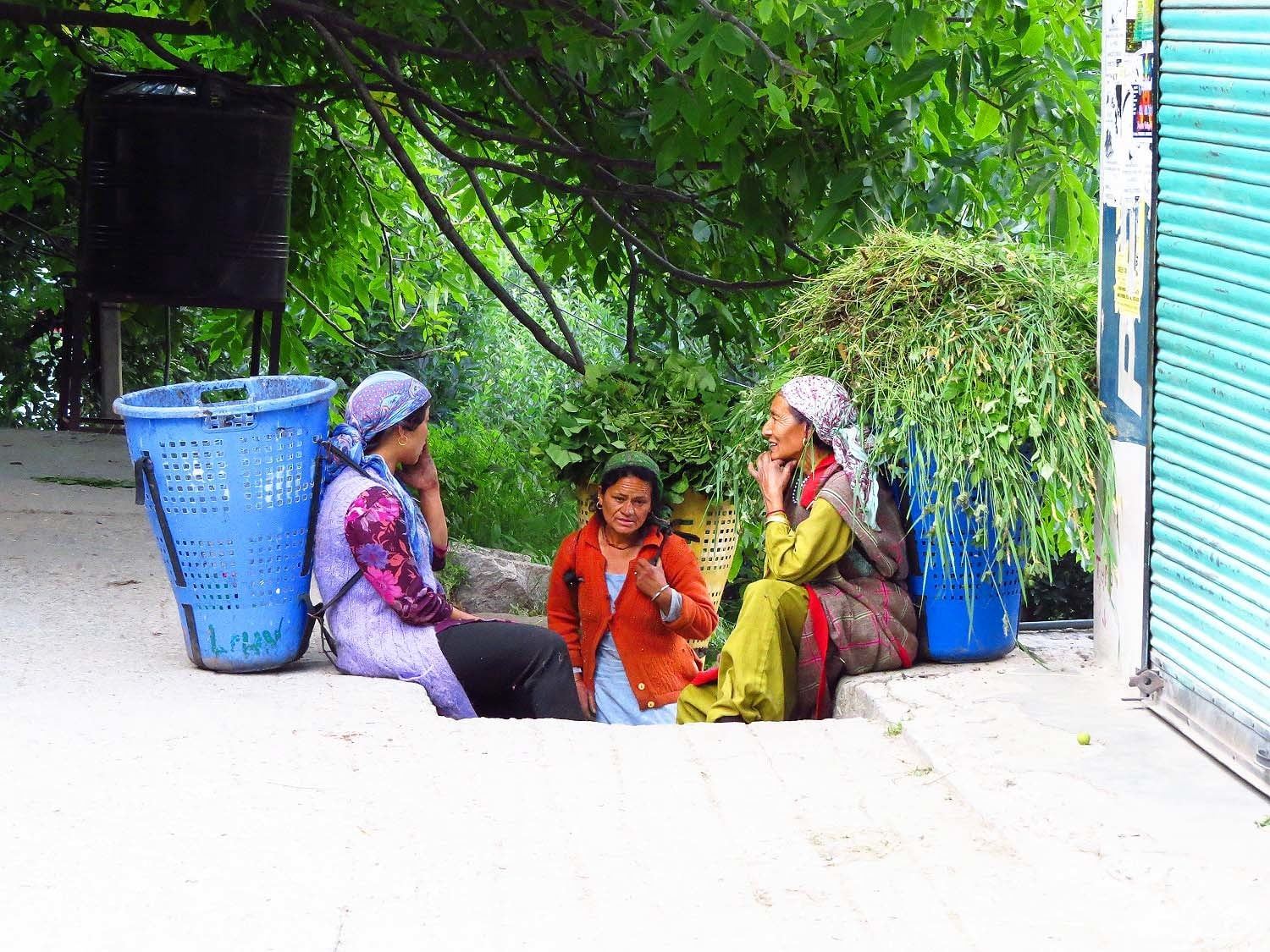 Women chatting in Old Manali.