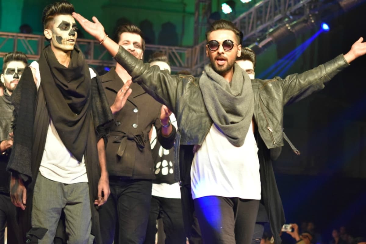 After a no-show at Fashion Pakistan Week Winter/Festive, Rizwanullah seemed bent on making the most of his show at KFW