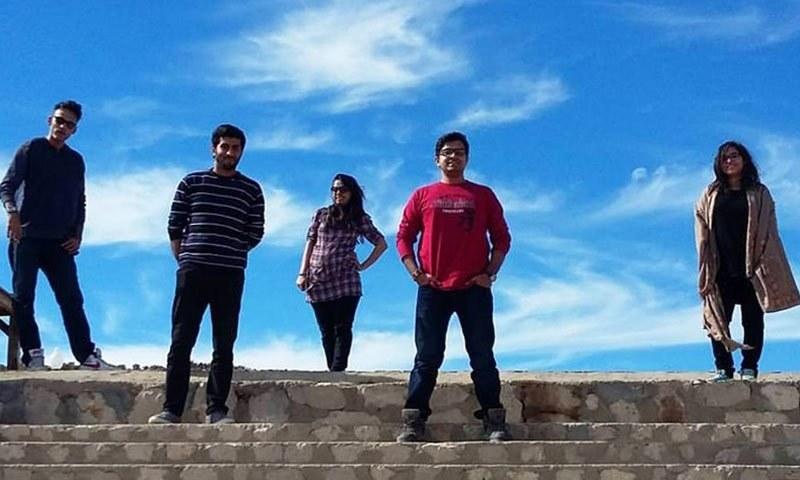 پاکستانی نوجوانوں کی اپنی زندگیوں سے اونچی توقعات