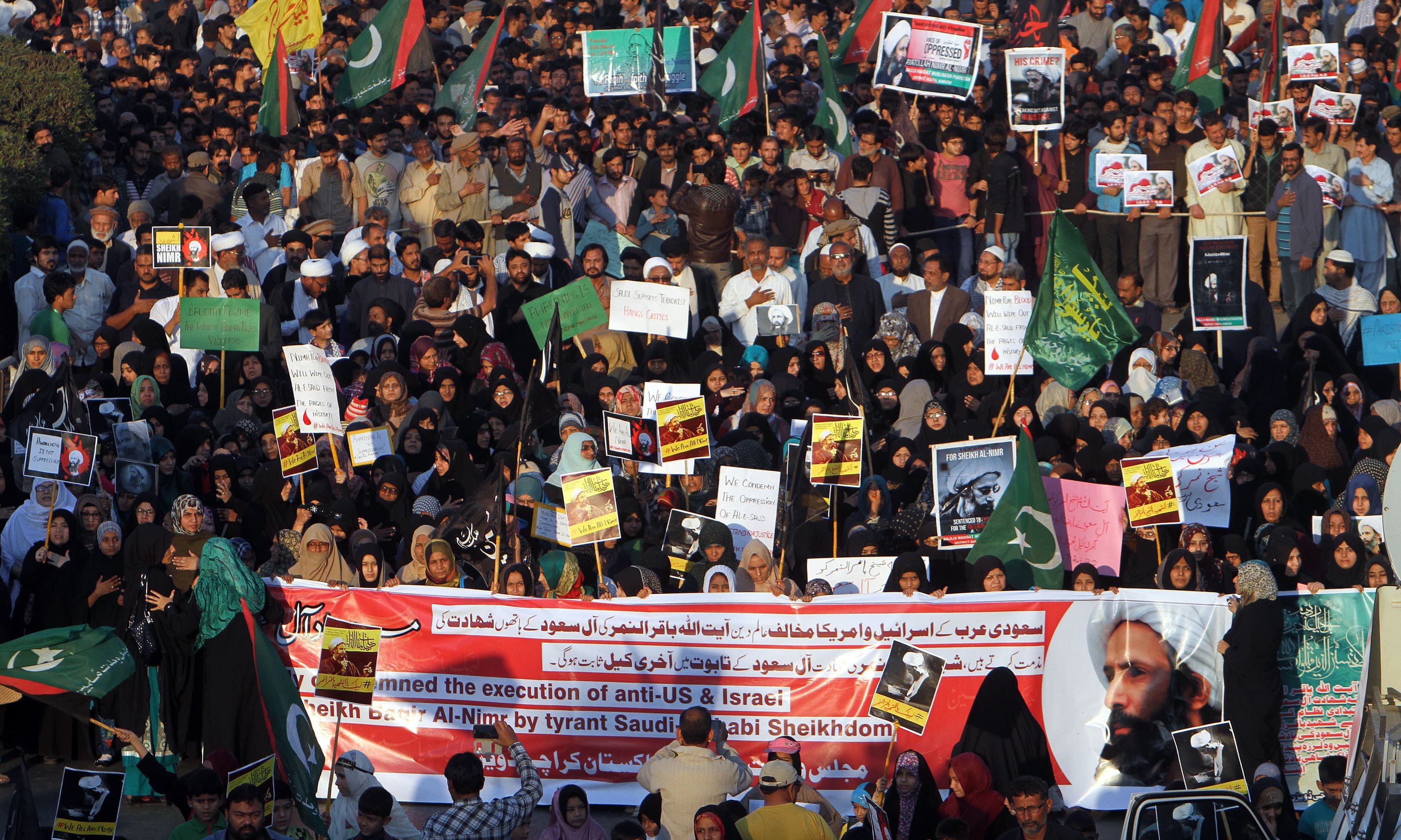 Shias take part in a rally to condemn the execution of Shia cleric Sheikh Nimr al-Nimr. —AP