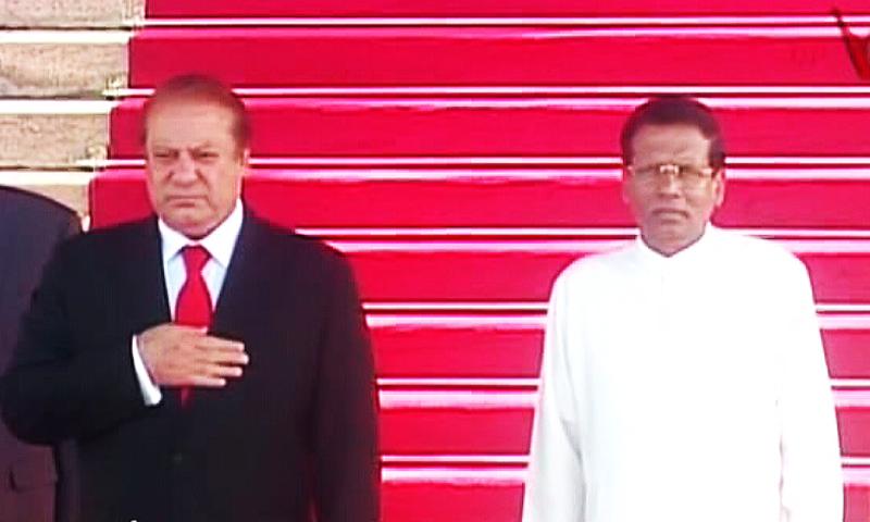Sri Lankan President Maithripala Sirisena warmly received PM Nawaz at the palace. —DawnNews