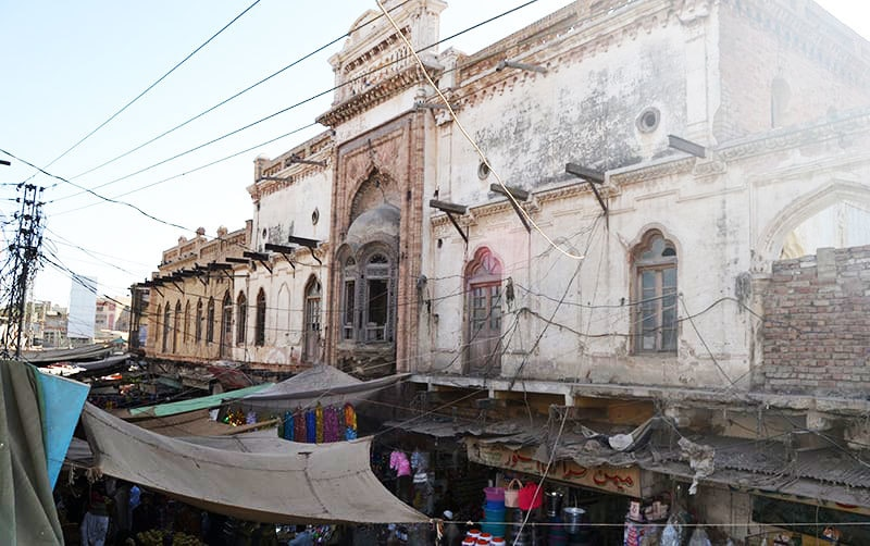The Gurduwara is situated in downtown Mirpur Khas and now houses the offices of JI and EPTB.