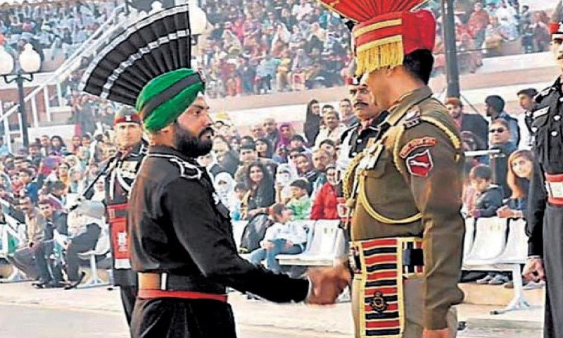 Sikh Ranger takes part in beating retreat at Wagah