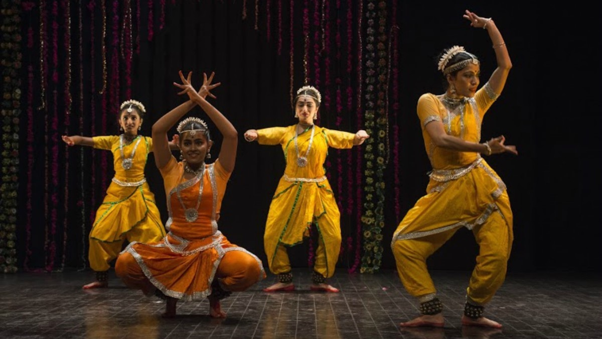 Kermani hosted a two day dance festival at the Arts Council of Karachi, Pakistan to a packed house. —Photo by author