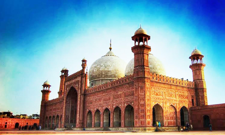 بادشاہی مسجد۔ — فوٹو اختر عباس۔