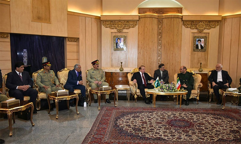 Pakistani delegation in meeting with Iranian defence minister Hossein Dehghan.─ Photo: PMO