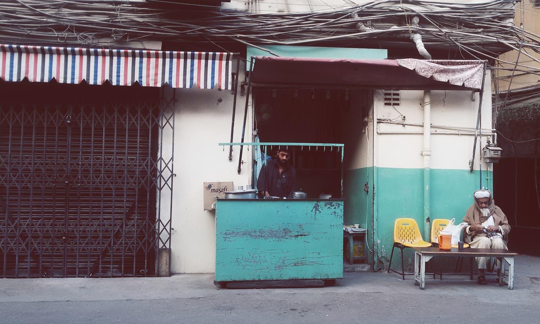 A dhaba at 10:00am. —Photo courtesy Girls at Dhabas